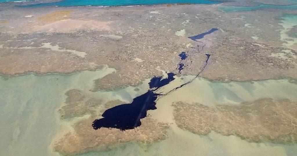 mancha-oleo-atinge-regiao-corais-praias-famosas-facebook-conexao-planeta-1024x538